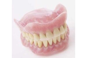 取り外せる入れ歯