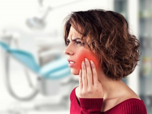抜歯を伴う場合も対応可能