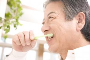 歯を磨いて初診を受ける