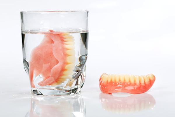 入れ歯の洗浄